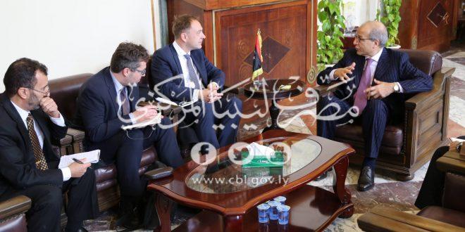 محافظ مصرف ليبيا المركزي يلتقي سفيري ألمانيا وبريطانيا في ليبيا