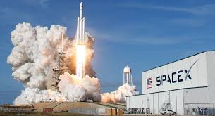 سبيس إكس تختبر بنجاح إطلاق فالكون هيفي.. أقوى صاروخ في العالم