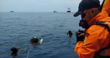 إندونيسيا تبحث عن ضحايا بعد تحطم طائرة سقطت في البحر