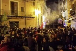تظاهرة طلابية في باليرمو ضد المؤتمر حول ليبيا
