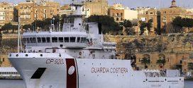 إيطاليا: 131 مهاجراً أنقذوا الجمعة لا يزالون ينتظرون مصيرهم على متن السفينة