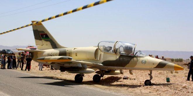 إذاعة فرنسا الدولية: الطيارة التي هبطت في تونس لم يكن بها خلل فني وغرض الطيار كان الانشقاق لرفضه اوامر قصف طرابلس