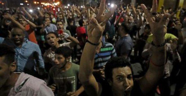 عودة المظاهرات إلى ميدان التحرير وميادين أخرى بمصر للمطالبة بإسقاط السيسي