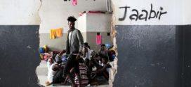 مهاجرون أُطلق سراحهم وسط القتال في العاصمة الليبية يلوذون بالأمم المتحدة