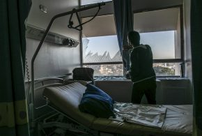 """بلومبيرغ: تصعيد الحرب في ليبيا يُجهد النظام الصحي """"المدمر"""""""
