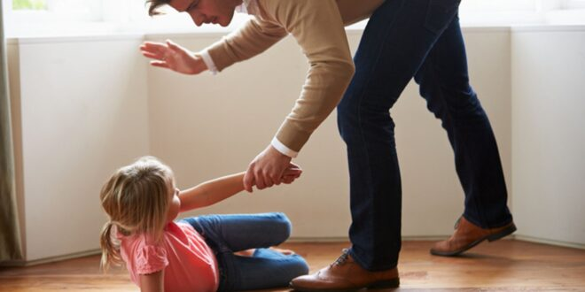 اسكتلندا تصبح أول من يحرم ضرب الأطفال في المملكة المتحدة