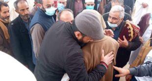 عقب الصلاة على جنازة مغدورين من قبل ميليشيات موالية لحفتر. جموع المصلين تطالب بمطاردة القتلة