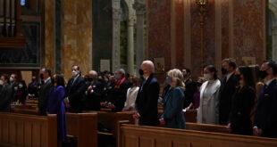 """بدء مراسم تسليم بايدن لمهامه في أمريكا.. و""""شرف العمر"""".. آخر كلمات ترامب قبل أن يغادر البيت الأبيض"""