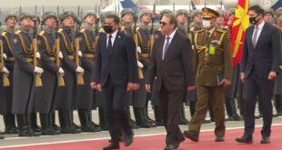 الدبيبة يبدأ رحلة إلى روسيا لمناقشة التطورات في ليبيا وملفات التعاون بين البلدين