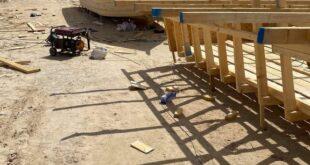 مديرية أمن زوارة تداهم استراحة على شاطئ البحر استخدمت ورشة لصناعة قوارب الهجرة