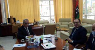 وزير الإسكان يبحث مع سفير تونس مشاركة الشركات التونسية في خطة عودة الحياة