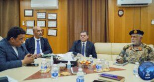 القائد الأعلى للجيش الليبي يبحث مع وزير الدفاع ولجنة (5+5) خطة خروج المرتزقة من ليبيا